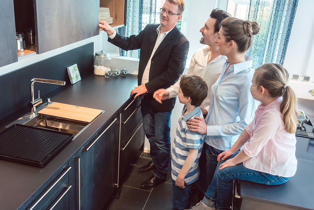 Kitchen and Bath Showrooms Family Viewing - Kitchen and Bath Marketing Solutions